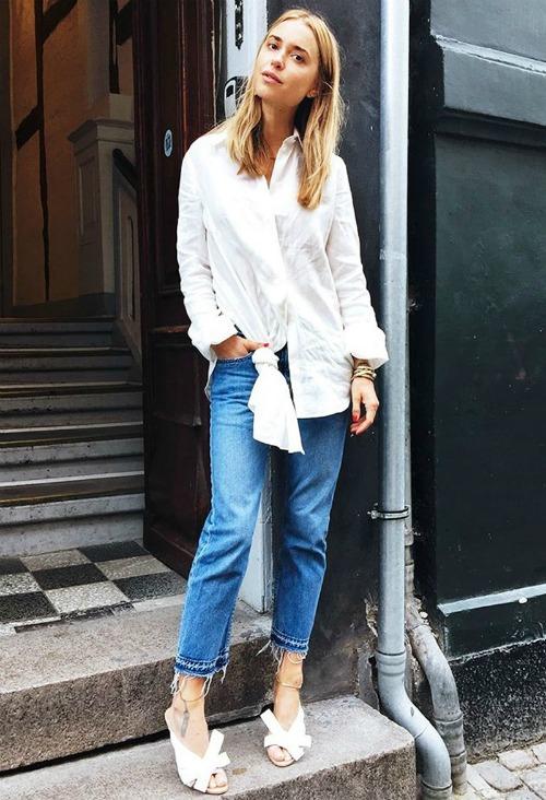 Узкие джинсы с белой рубашкой