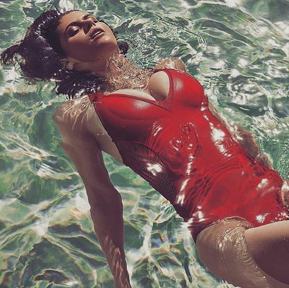Александра Даддарио в купальнике