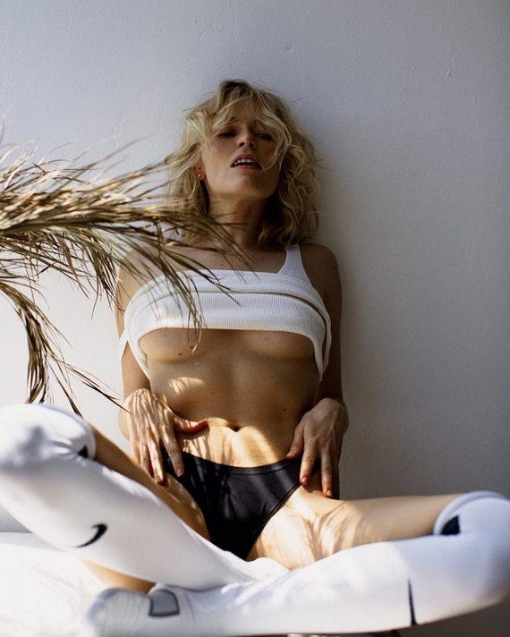 Елена Чернявская в нижнем белье фото