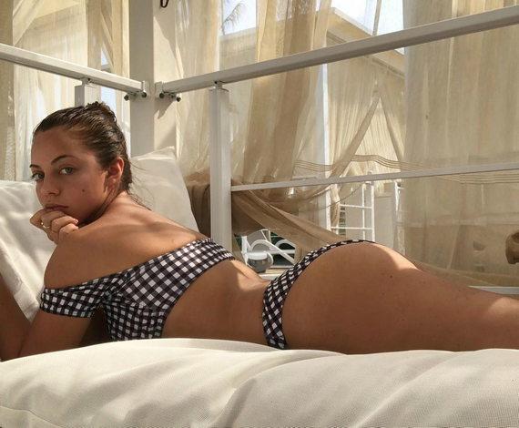 Катя Кищук фото в купальнике