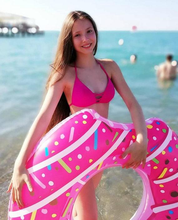 Мария Ильюхина фото в купальнике