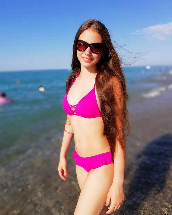 Маша Ильюхина в купальнике
