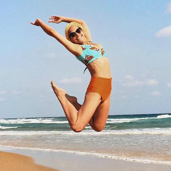 Мария Иващенко в купальнике фото