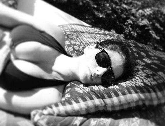 Татьяна Арно в купальнике