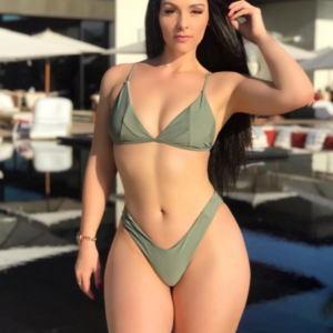 Viktoriya Key v bikini