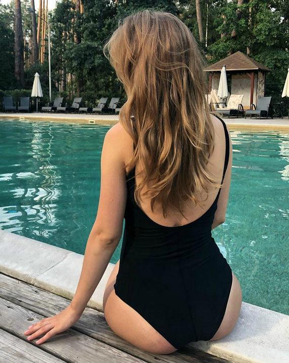 Анна Кошмал фото в купальнике